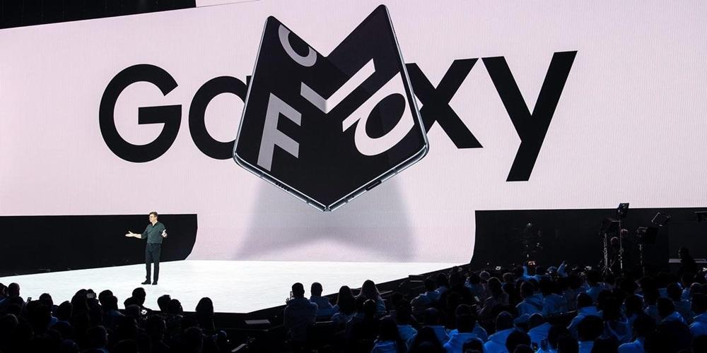 Ir para  <p><big>A gigante sul-coreana de eletr&ocirc;nicos Samsung anunciou nesta quinta-feira que lan&ccedil;ar&aacute; seu smartphone dobr&aacute;vel de &uacute;ltima gera&ccedil;&atilde;o em setembro, apesar de...