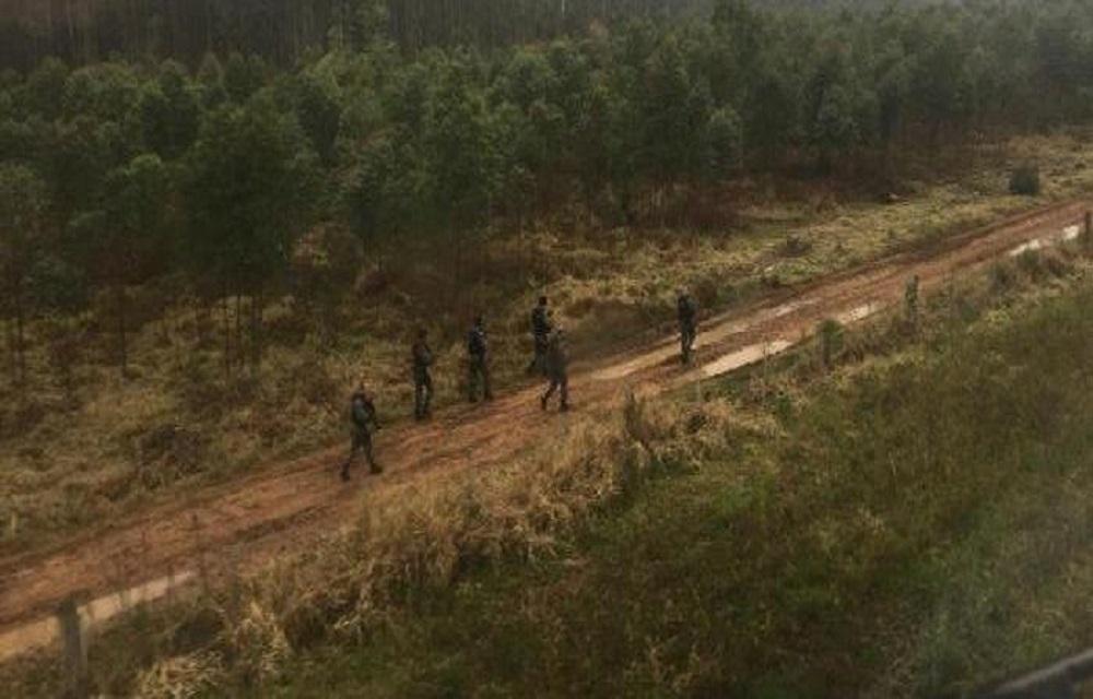Ir para  <p>A Brigada Militar prendeu na manh&atilde; desta segunda quatro envolvidos no&nbsp;<a...