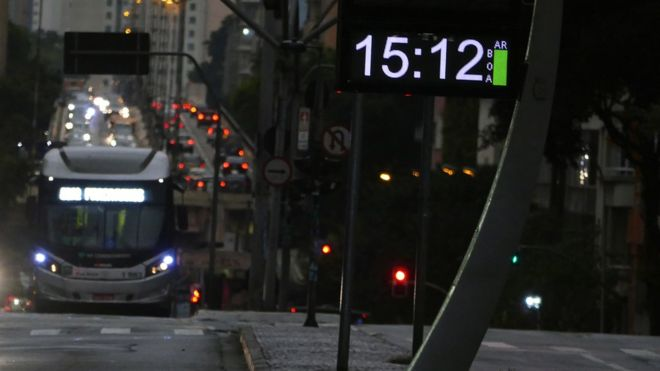 Ir para  <p><big>Assim Jos&eacute;lia Pegorim, meteorologista do Climatempo, resume a segunda-feira, dia 19, marcada, para os moradores de diversas partes do Estado de S&atilde;o Paulo, inclusive a capital, por um c&eacute;u...