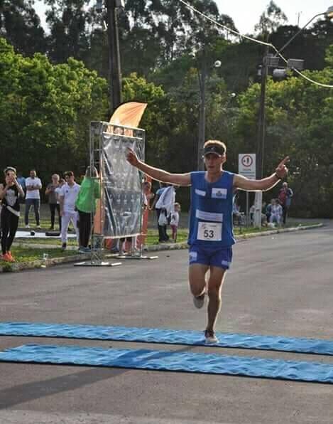 Ir para  <p><big>O atleta maratonista carlosgomense Joel Sychocki iniciou nesta semana a prepara&ccedil;&atilde;o para os pr&oacute;ximos desafios que vir&atilde;o no m&ecirc;s de setembro....