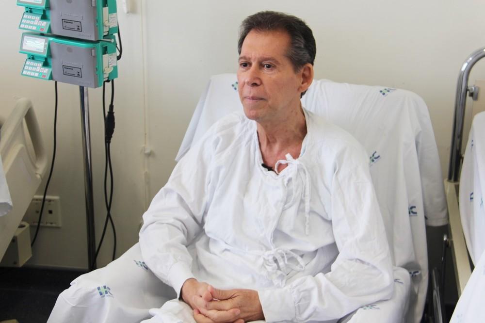 Ir para  <p><big>Um paciente de 62 anos que tinha linfoma em fase terminal e tomava morfina todo dia deve receber alta no s&aacute;bado (12) ap&oacute;s ser submetido a um tratamento in&eacute;dito na Am&eacute;rica Latina. Ele...