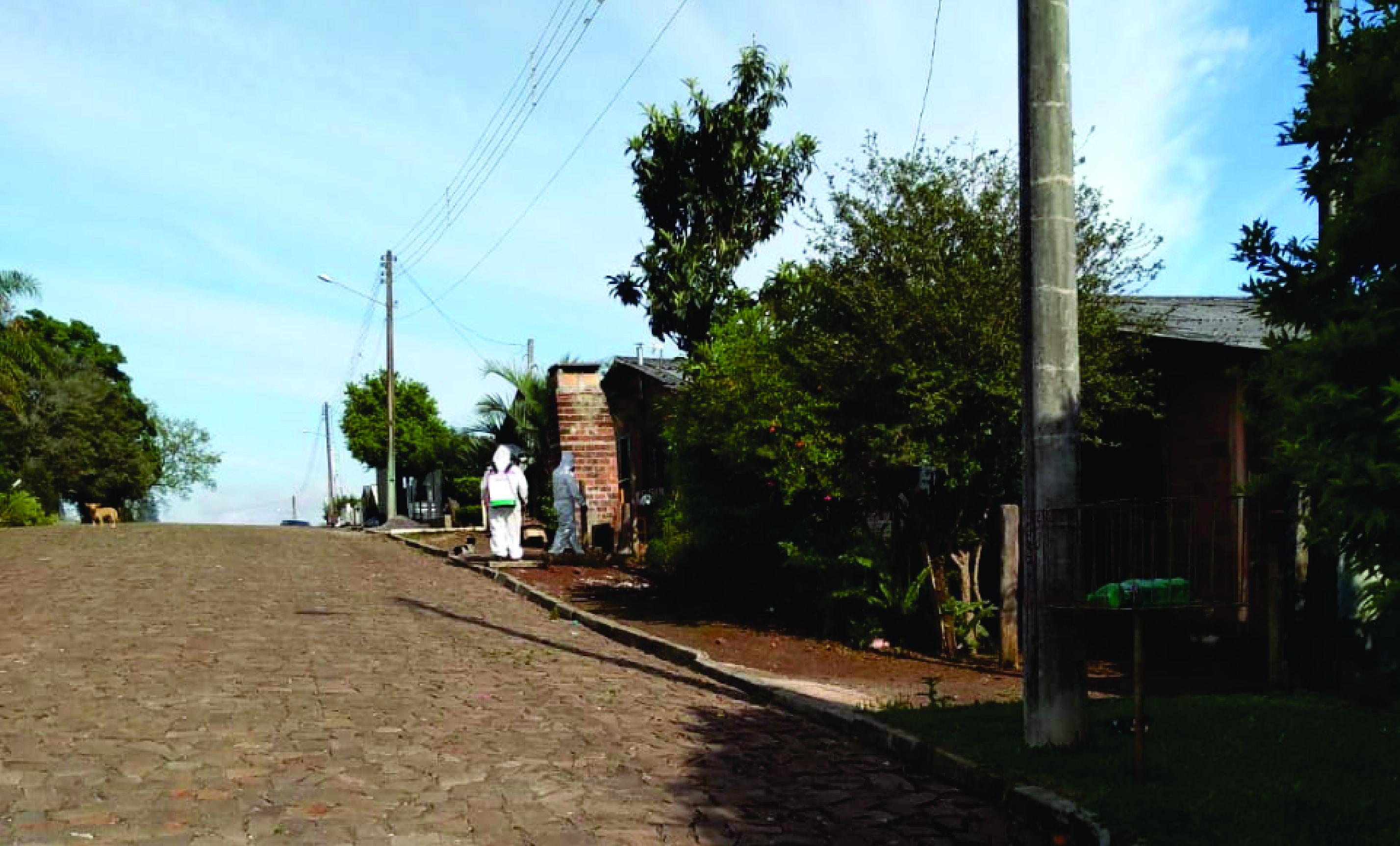 Ir para Gaurama realiza aplicação de repelentes no ambiente externo de residências