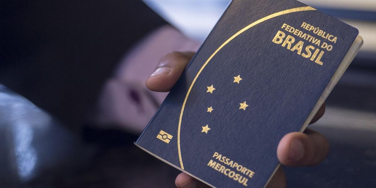 Ir para  <p>Nos primeiros dez meses de 2019, o n&uacute;mero de passaportes emitidos pela Pol&iacute;cia Federal j&aacute; superou, em 22,8%, o total de emitidos em 2018. &Eacute; o que mostram dados enviados pelo...
