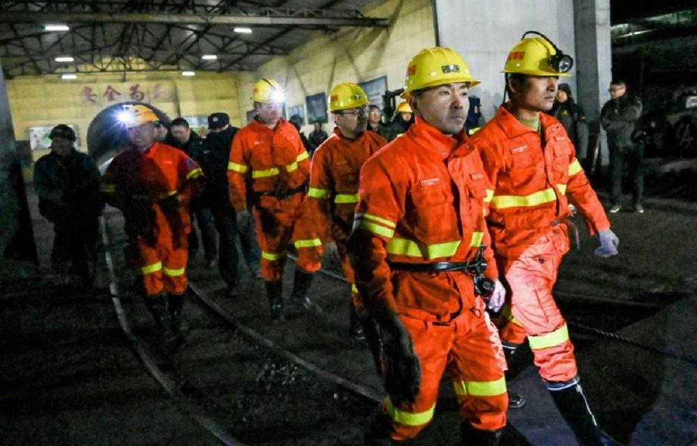 Ir para  <p>Uma explos&atilde;o de g&aacute;s em uma mina de carv&atilde;o na regi&atilde;o Sudoeste da China matou 14 trabalhadores e duas pessoas continuam presas no local, anunciaram as autoridades locais nesta...