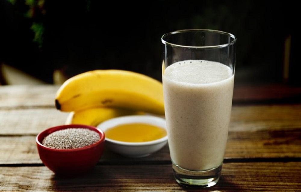 Ir para  <p>1 x&iacute;cara (ch&aacute;) de leite</p>  <p>1 Colher(es) de caf&eacute; de canela em p&oacute;</p>  <p>1 banana bem madura</p>  <p>2 Colher(es) de sopa de aveia em flocos...