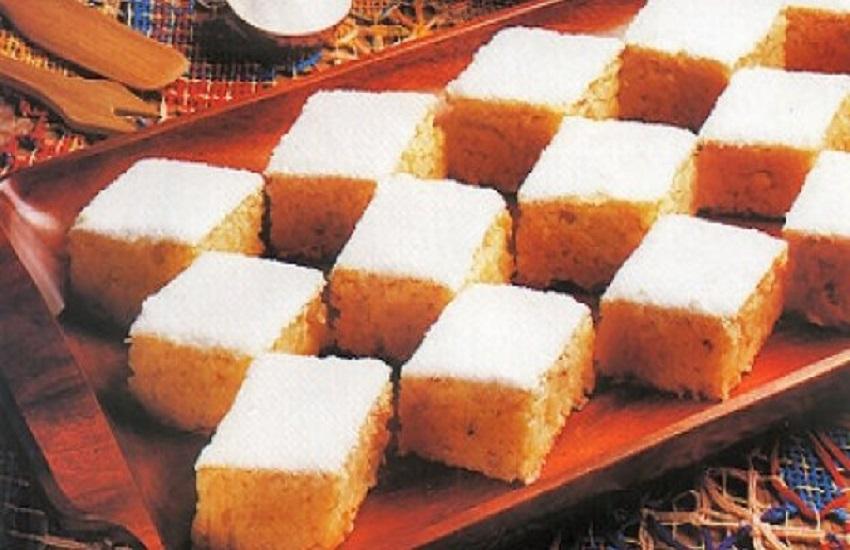 Ir para  <p>350 g de batata doce picada</p>  <p>1/2 x&iacute;cara de ch&aacute; de &oacute;leo de canola</p>  <p>3 ovos</p>  <p>1 1/2 x&iacute;cara de farinha de...