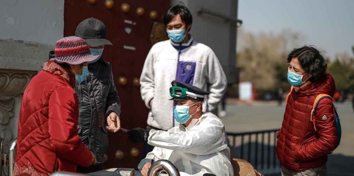 Ir para  <p>A China come&ccedil;ou os testes cl&iacute;nicos de uma vacina contra o novo coronav&iacute;rus com 108 volunt&aacute;rios, enquanto v&aacute;rios pa&iacute;ses est&atilde;o em uma corrida contra o tempo para...
