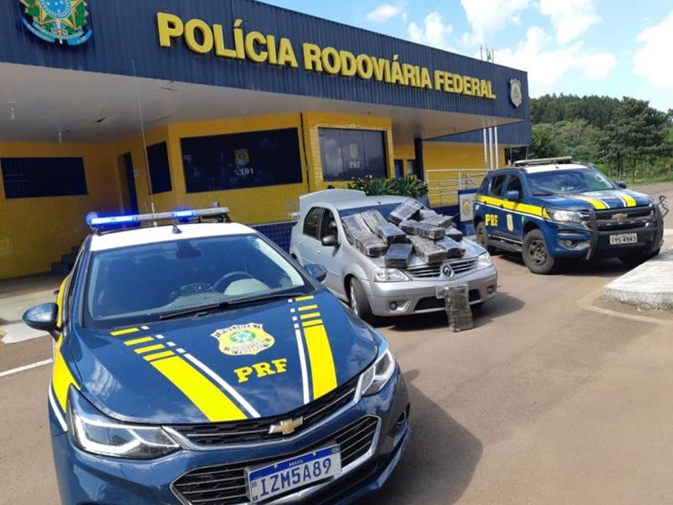 PRF prende mulher transportando mais de 150 quilos de maconha em Erechim