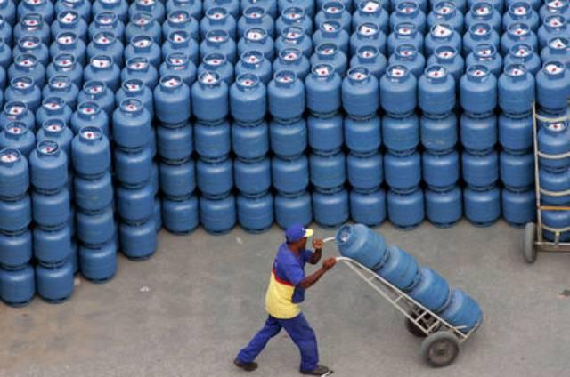 Ir para  <p><big>A Petrobras anunciou ontem (22) que elevar&aacute; em 5% o pre&ccedil;o m&eacute;dio do GLP, tamb&eacute;m conhecido como g&aacute;s de cozinha, a partir desta quinta-feira...