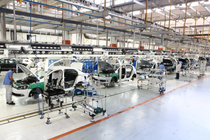 Produção industrial cresce em 14 dos 15 locais pesquisados, diz IBGE.