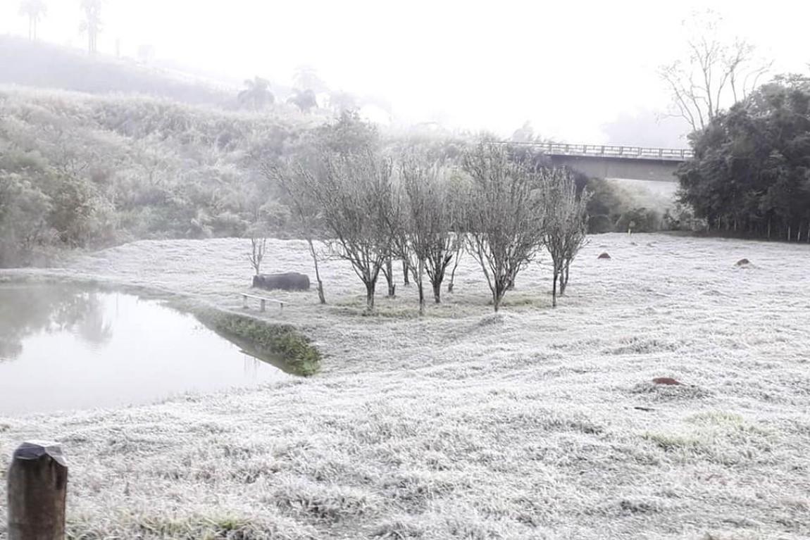 """Ir para  <p>Depois de uma&nbsp;<a href=""""https://www.correiodopovo.com.br/not%C3%ADcias/geral/pelo-menos-oito-cidades-do-rio-grande-do-sul-registram-queda-de-neve-1.468494""""><strong>quinta-feira com..."""