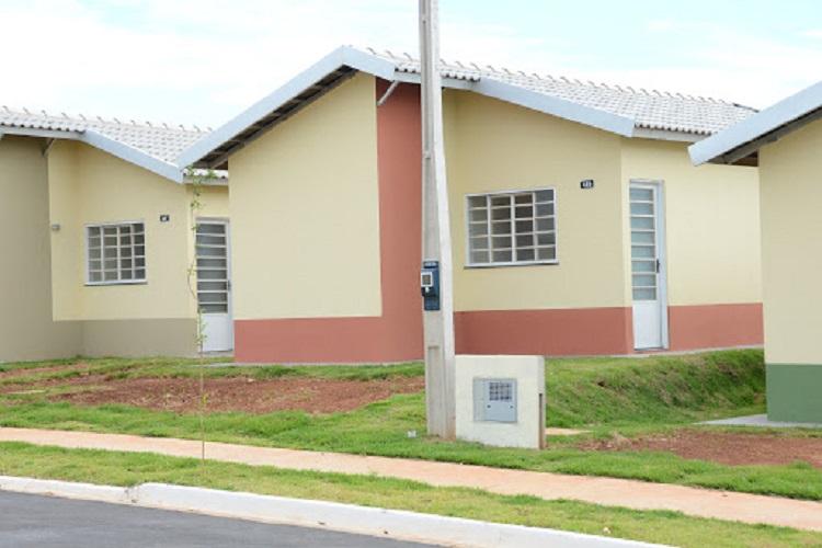 Ir para  <p>O governo federal lan&ccedil;a nesta ter&ccedil;a-feira, o programa habitacional Casa Verde Amarela, que substituir&aacute; o Minha Casa Minha Vida (MCMV), criado no governo Lula, em 2009. Priorizando as regi&otilde;es...