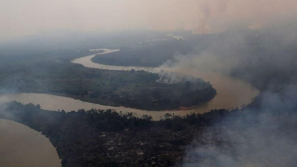 Ir para  <p><big>No dia em que a destrui&ccedil;&atilde;o do Pantanal pelas queimadas chegou a quase 3 milh&otilde;es de hectares (equivalente &agrave; &aacute;rea da B&eacute;lgica), oito pa&iacute;ses europeus...
