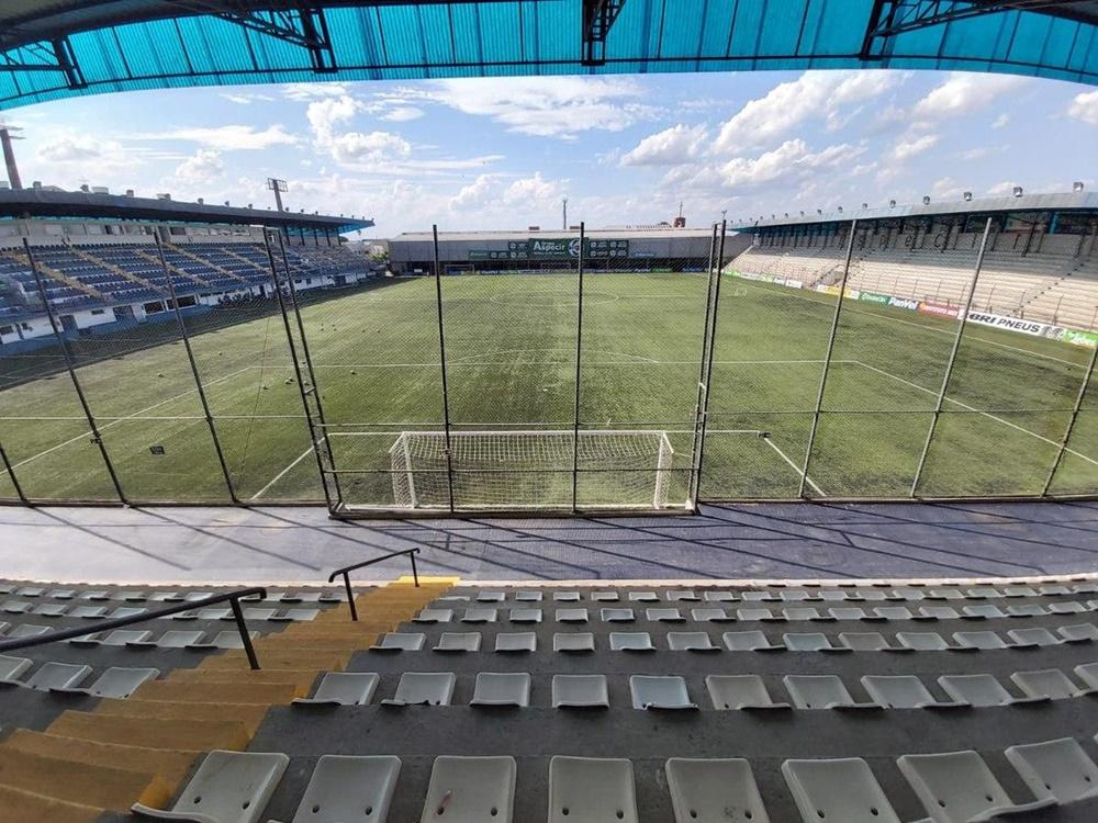 Ir para  <p><big>O Ypiranga est&aacute; em Porto Alegre para o jogo da tarde deste s&aacute;bado(3), com o S&atilde;o Jos&eacute;, no Est&aacute;dio Pa&ccedil;o da Areia. O Ypiranga ocupa a 2&ordf;...