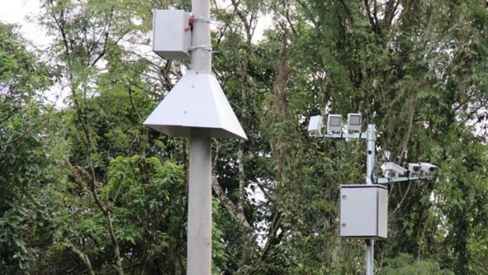 Ir para  <p><big>Os novos pardais instalados nas rodovias estaduais come&ccedil;am a aplicar multas a partir desta sexta-feira (9). Mais de 90 faixas de tr&aacute;fego, em 13 estradas, contam com o monitoramento dos controladores de...