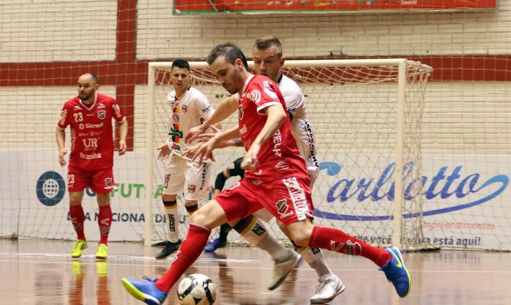 Ir para  <p><big>Sete times j&aacute; est&atilde;o classificados &agrave;s quartas de final da Liga Nacional de Futsal (LNF). A &uacute;ltima vaga entre os oito melhores da competi&ccedil;&atilde;o come&ccedil;a a...