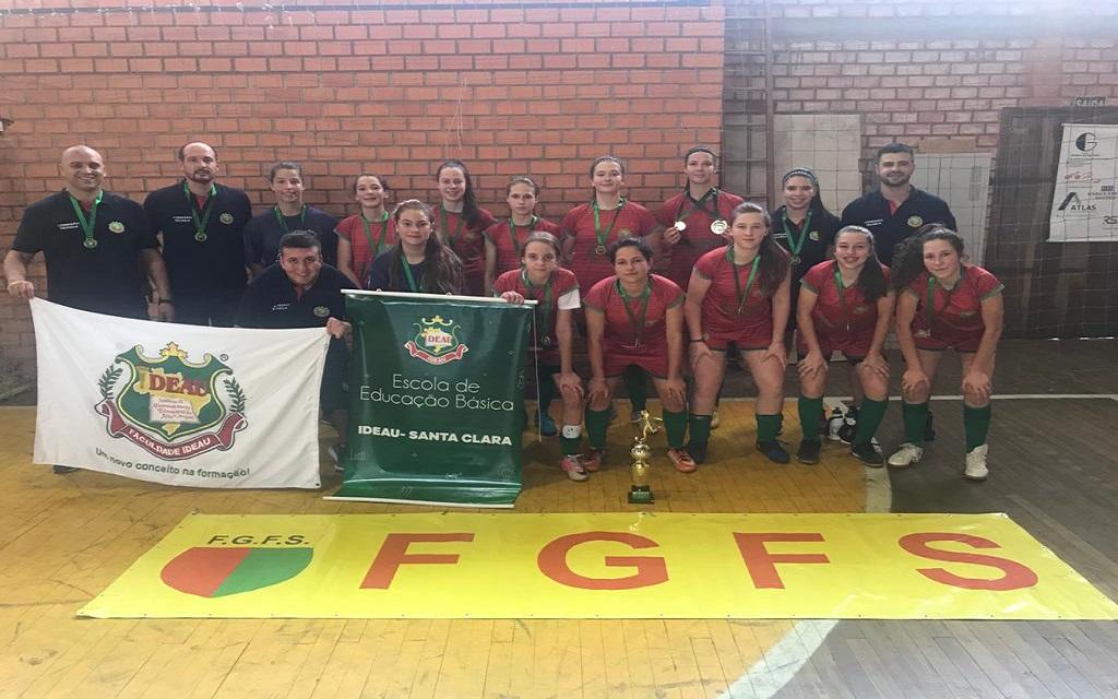 Ir para Atleta viadutense participa de equipe campeã do estadual sub-15 de futsal feminino.