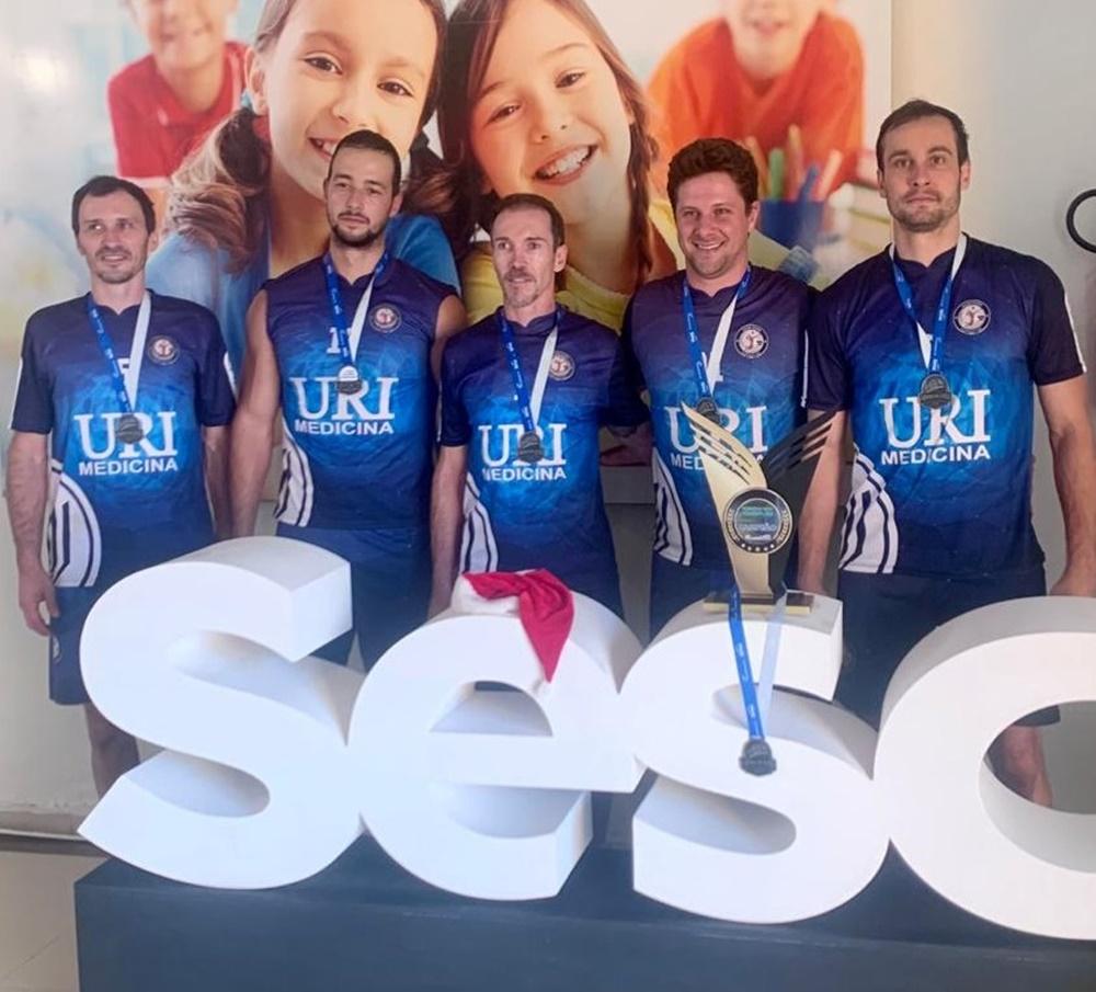 Equipe de Voleibol da URI Erechim é Campeã do Torneio Sesc  4×4 Indoor
