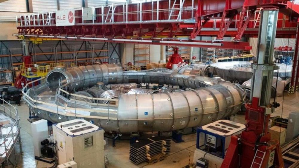 Ir para  <p><big>Autoridades chineses anunciaram no fim de semana (5 e 6/12) que colocaram em funcionamento um reator direcionado para a meta de gerar energia por fus&atilde;o nuclear.</big></p>  <p><big>O...