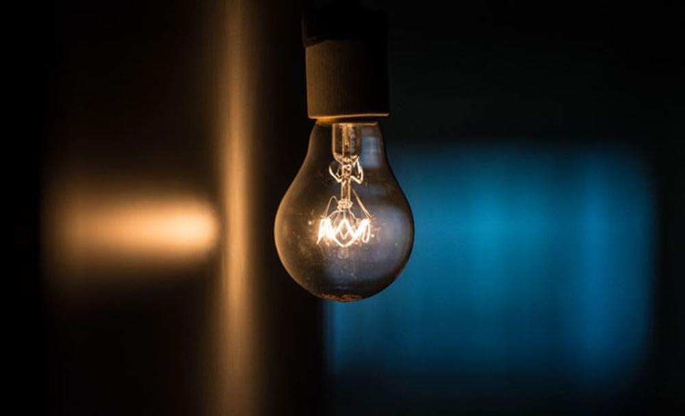 Ir para  <p><big>A bandeira tarif&aacute;ria das contas de luz permanecer&aacute; na cor amarela em fevereiro, informou nesta sexta-feira (29) a Ag&ecirc;ncia Nacional de Energia El&eacute;trica (Aneel). Com isso, o...