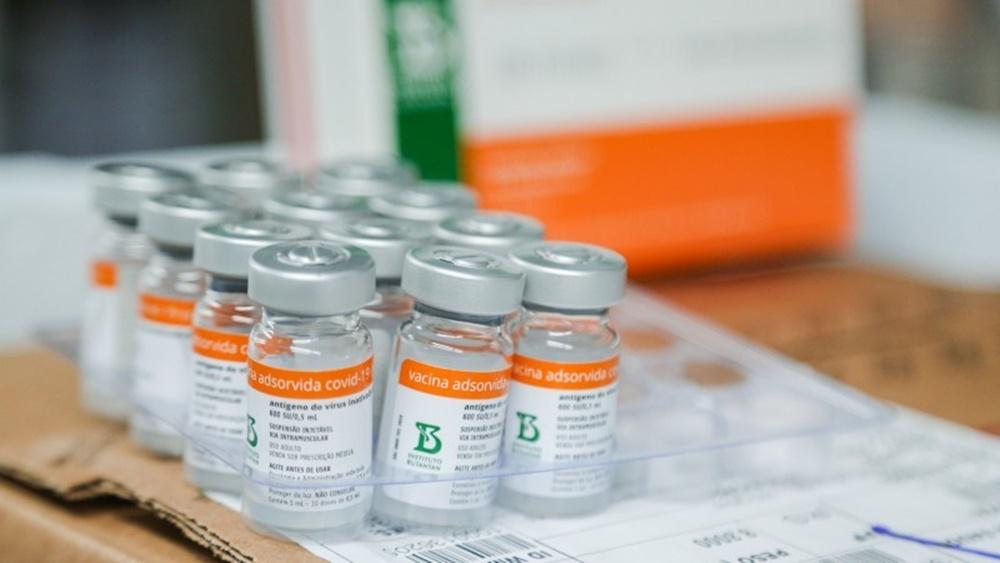 Ir para  <p><big>O Rio Grande do Sul receber&aacute; nesta sexta-feira (23) uma nova remessa de vacinas contra a Covid-19, com 192.750 doses da AstraZeneca e 50,2 mil doses da Coronavac. O voo est&aacute; previsto para pousar...