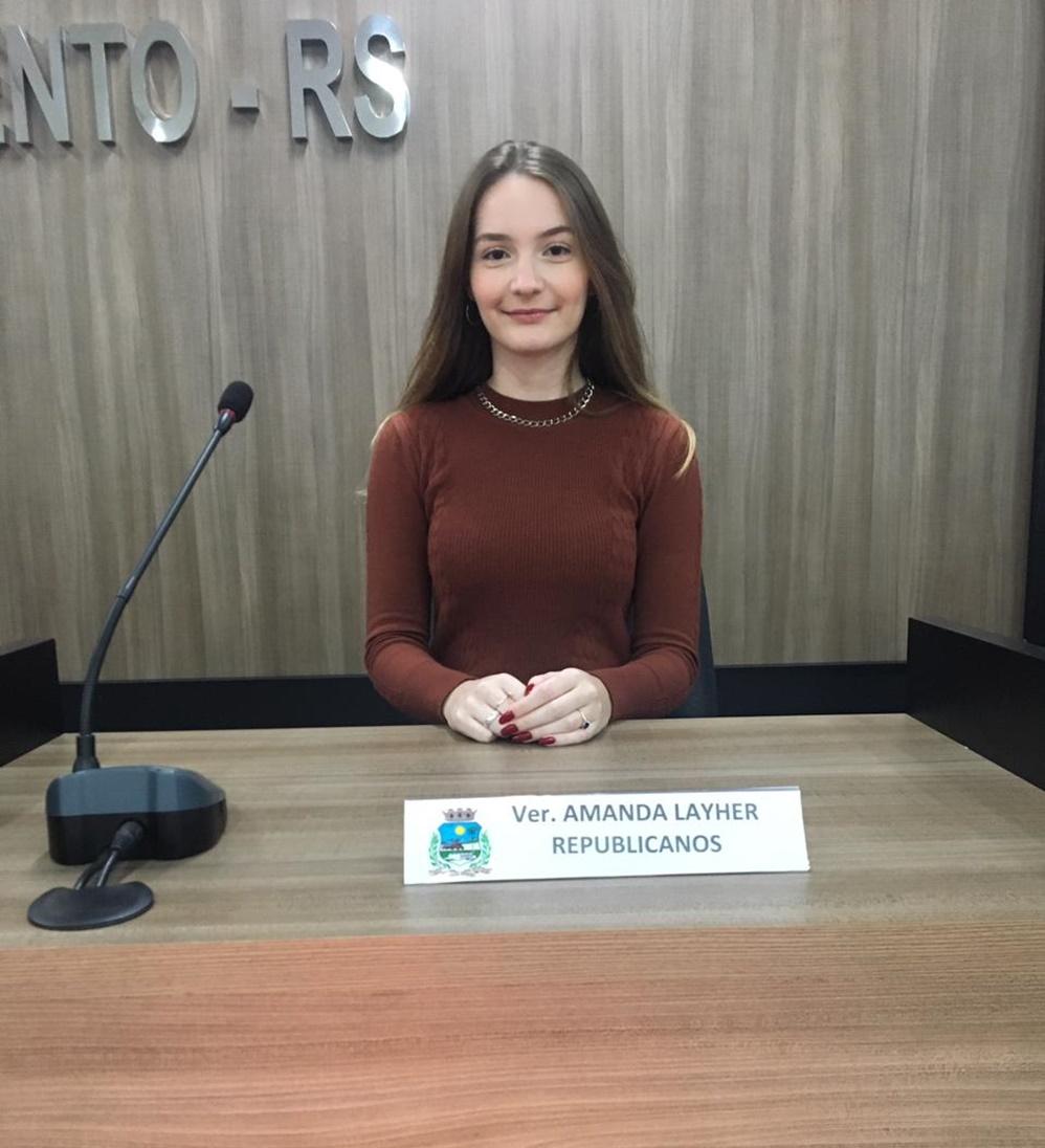 Vereadora mais Jovem do estado, assume mandato na câmara de vereadores em Paulo Bento RS