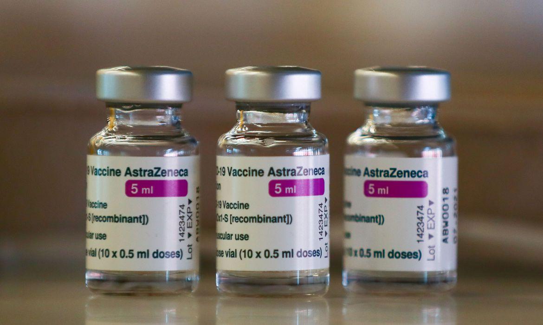 Anvisa recomenda suspensão imediata de vacina da AstraZeneca para mulheres grávidas