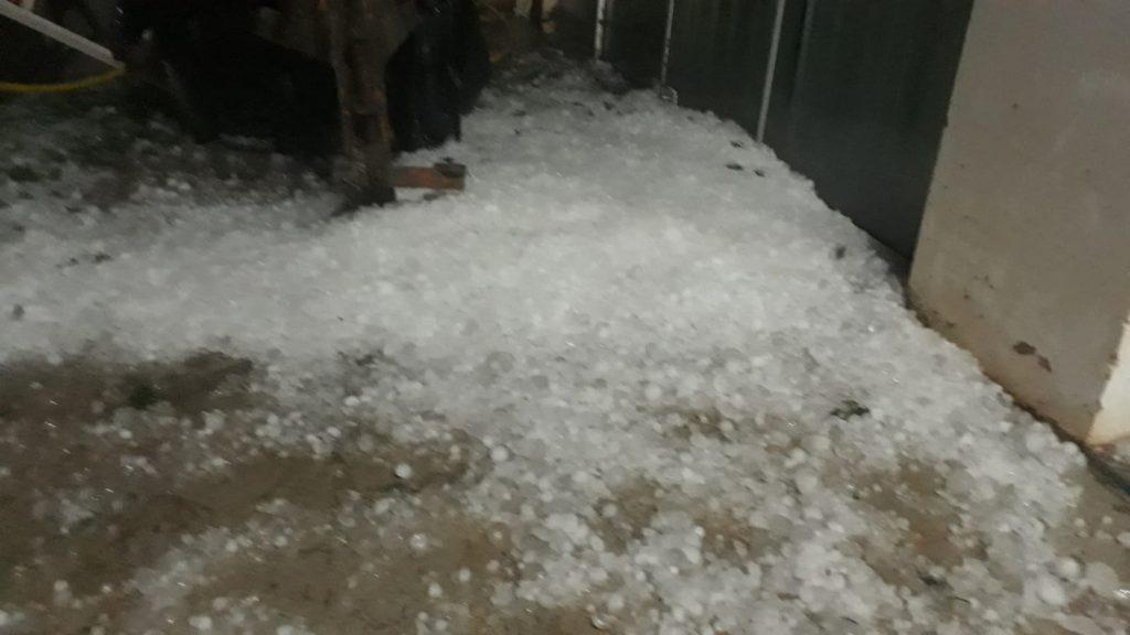 Granizo atinge municípios da região e causa estragos em residências