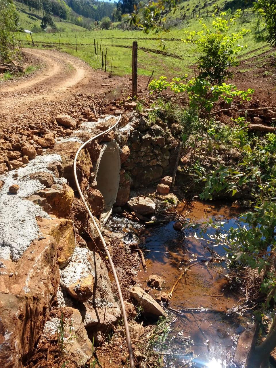 Ir para Secretaria de Obras realiza construção de ponte no interior do município de Viadutos