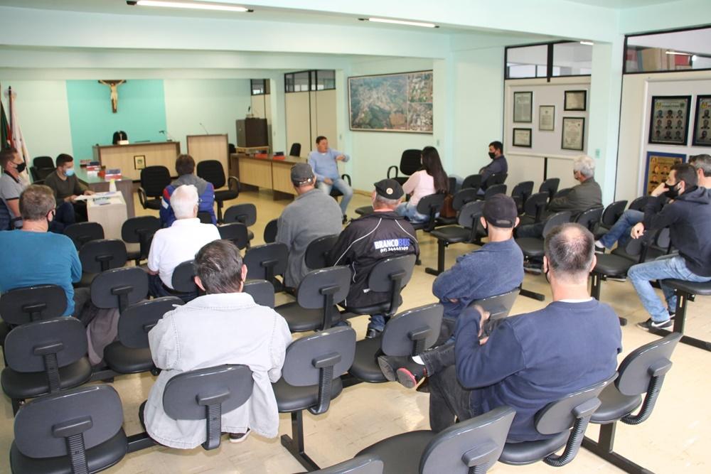 Comitê Municipal de Combate ao CORONAVIRUS se reúne na Câmara de Vereadores de Viadutos